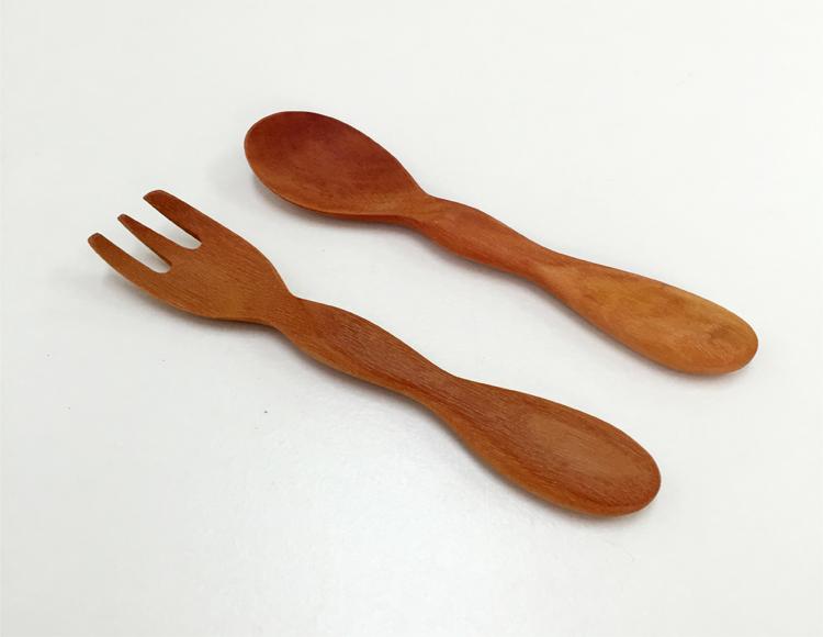 木製スプーン、フォーク名入れもできて出産祝いや離乳食におすすめ